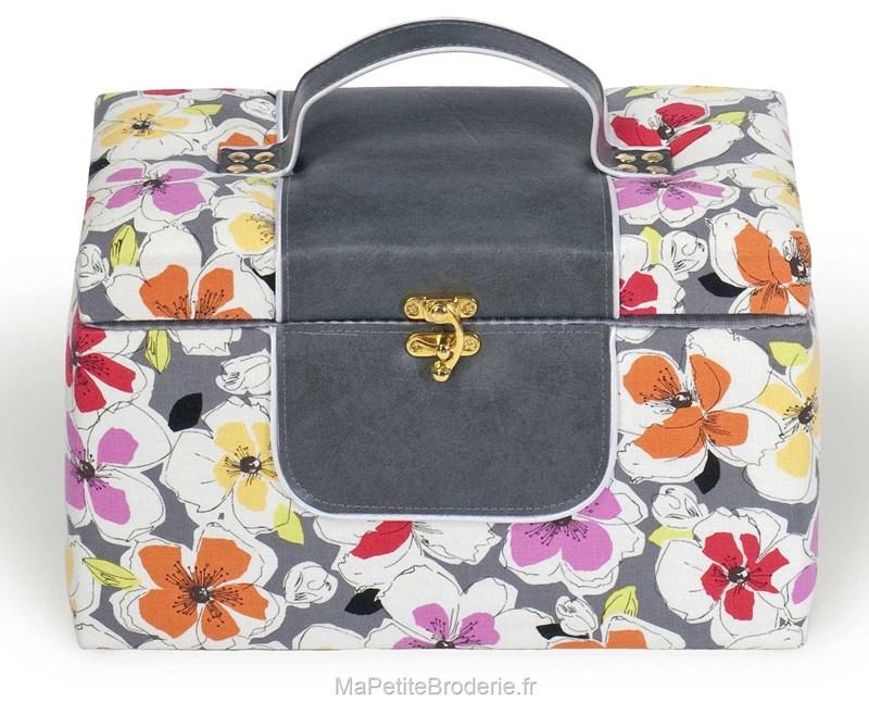 Boite couture tissu avec cuir fleurs color es for Boite a couture en cuir